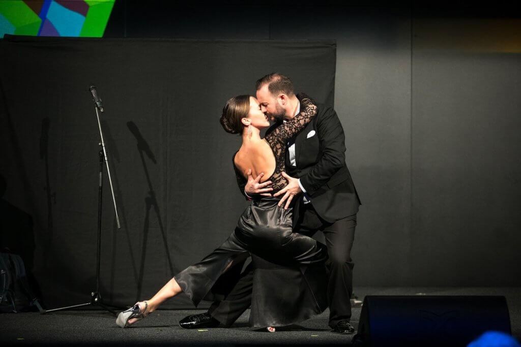 andrea-endre-tango